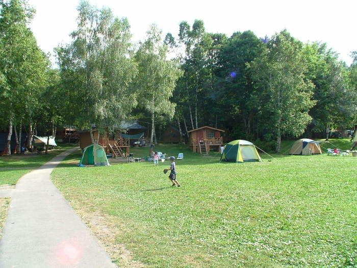 穂別キャンプ場で遊ぶ子供