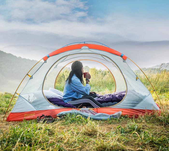 ヨーレイカのテントと女性