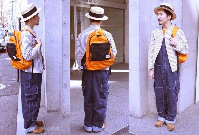 オーバーオールをおしゃれに着ている男性の写真