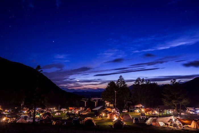 丸沼高原オートキャンプ場の夜の風景