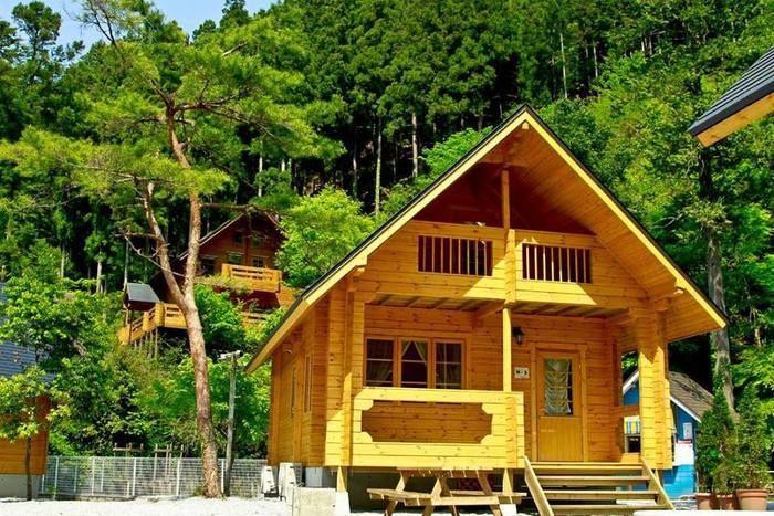 アメリカキャンプ村のコテージ・ツリーハウス