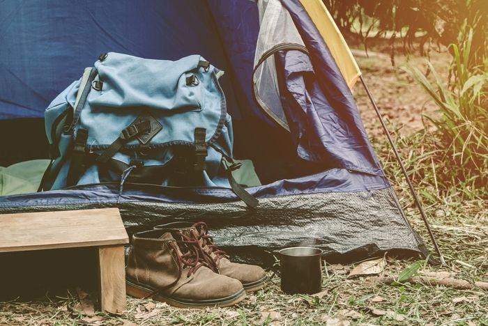 テントやリュックなどキャンプアイテムの写真
