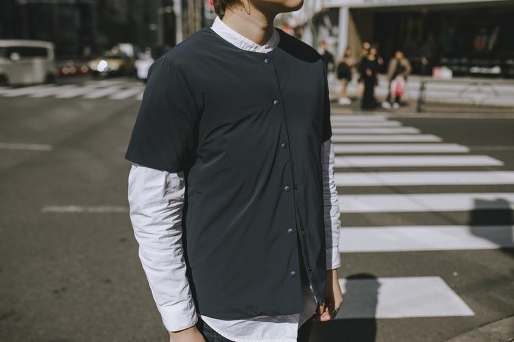 デサントオルテラインのシャツ