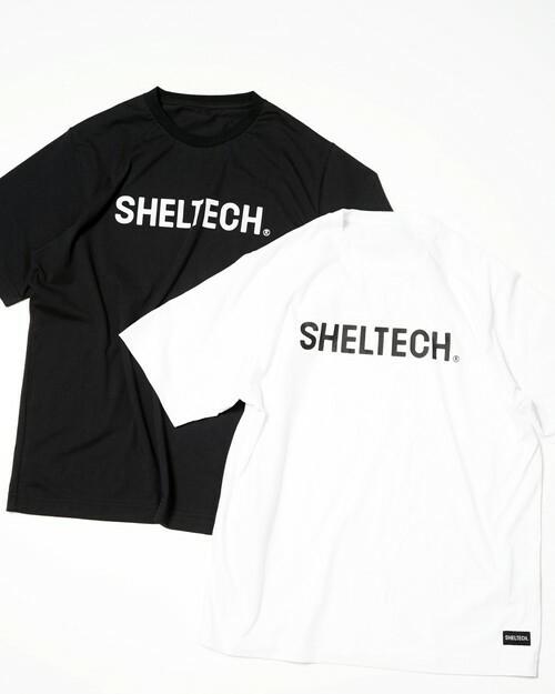 「SHELTECK(R)」のロゴが入った白と黒のTシャツ