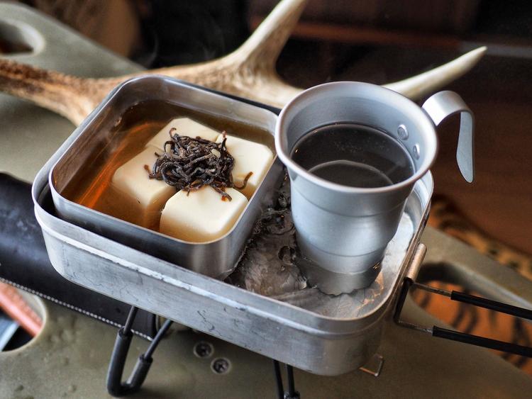 メスティンで熱燗と湯豆腐