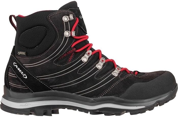 AKUの登山靴