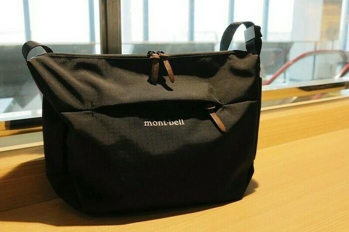 モンベルのショルダーバッグ
