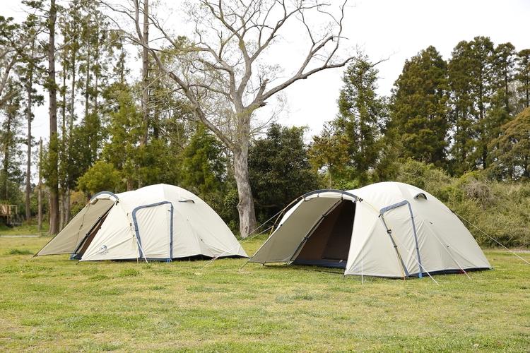 ホールアースのテント「EARTH DOME 270 Ⅳ」と「EARTH DOME 270 Ⅲ」