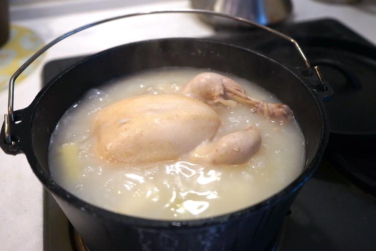 ダッチオーブンで作る鳥粥