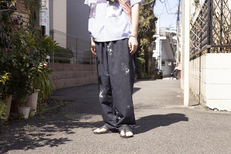 nanamica TOKYOのムラ染めパンツ