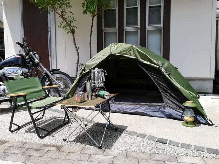 OUTDOOR MANのギアを並べたおうちキャンプ