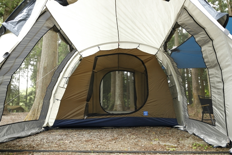 メッシュ部分の多いテント