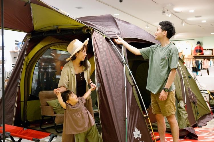 ロゴス店内のテント