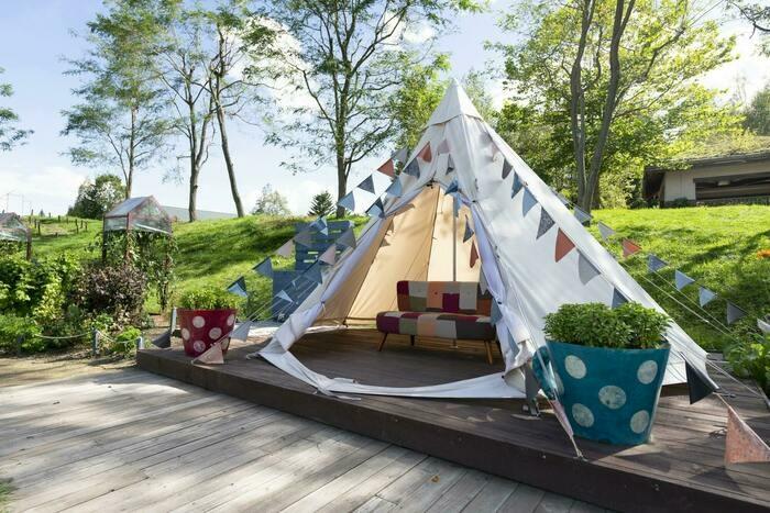 グランピングで使うテントの画像