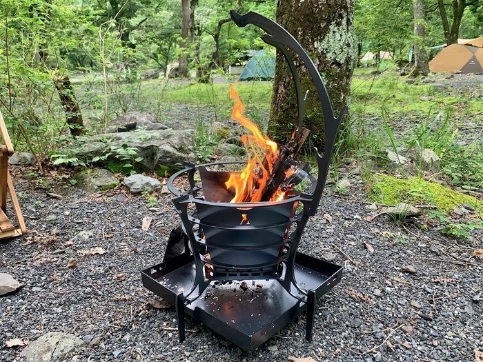 トリパスプロダクツの人気焚き火台グルグル・ファイヤー。使うほどにマストな理由【我が家のギア】