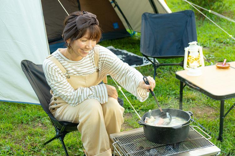 ダッチオーブンでコトコト煮込み料理にチャレンジ