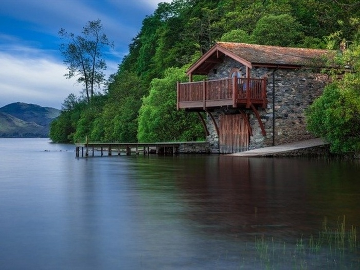 湖のコテージイメージ
