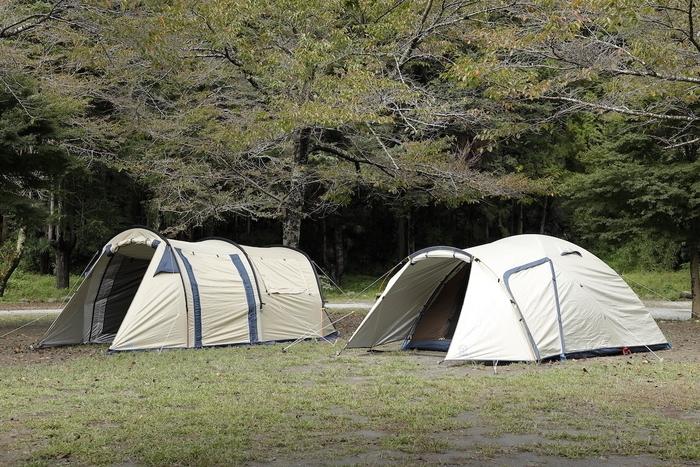 ホールアースのファミリーテント2張を紹介!収納サイズからテントの細かいポイントまで解説