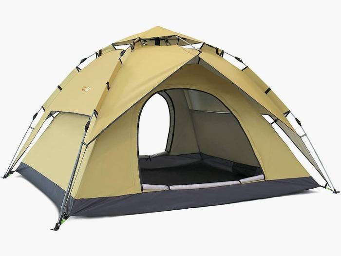 ベージュのテント