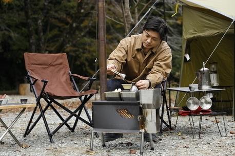 冬キャンプに新たな相棒。ユニフレームの「ペレットストーブ」という選択肢