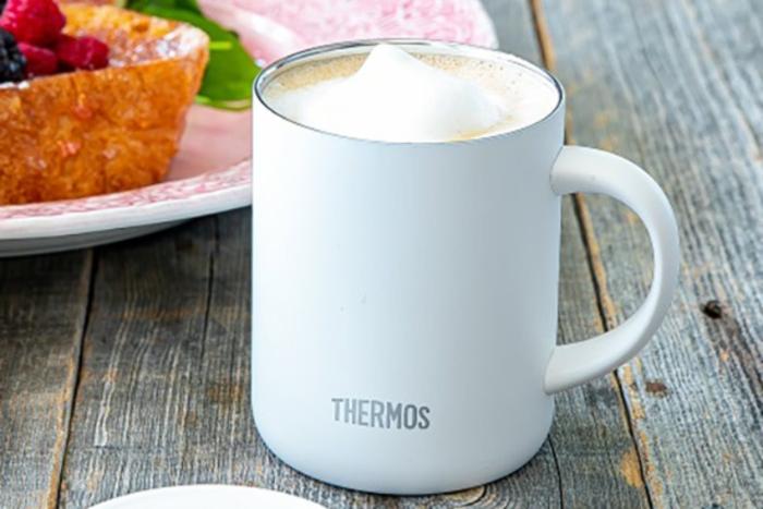 サーモスのマグカップの画像