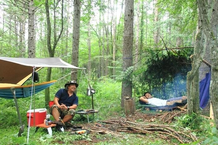 キャンプを楽しむ田中ケンさん