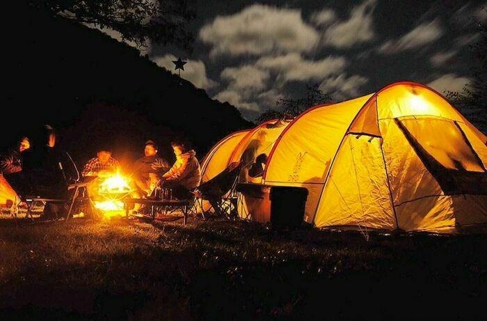 インフルエンサーのキャンプ