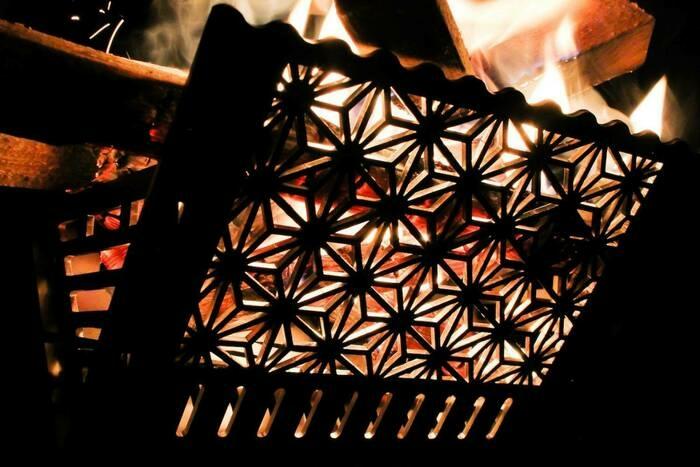 日本の伝統美を取り入れた「和柄焚火台」が誕生。アウトドアシーンに芸術的な時間をプラス