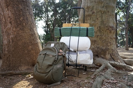 荷物の運び方やキャンプ場選びはどうする?車なしキャンパーのための電車キャンプ説明書