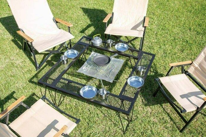 七輪テーブルとキャンプチェア