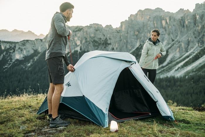 フランス発のグローバルスポーツブランドが提案するキャンプグッズ