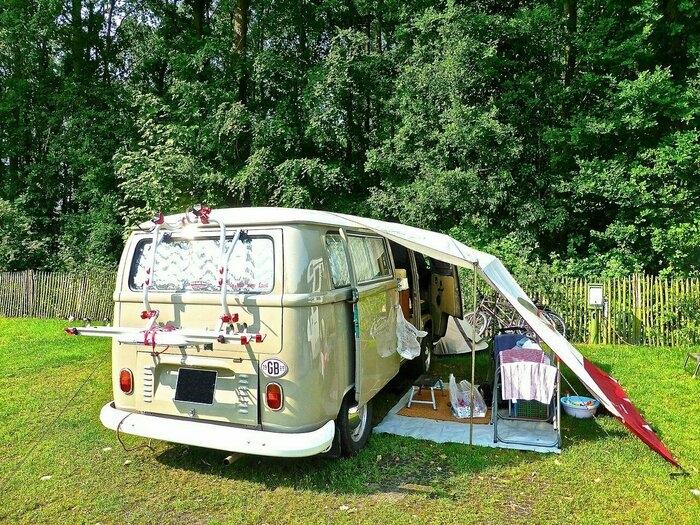 キャンプ バン