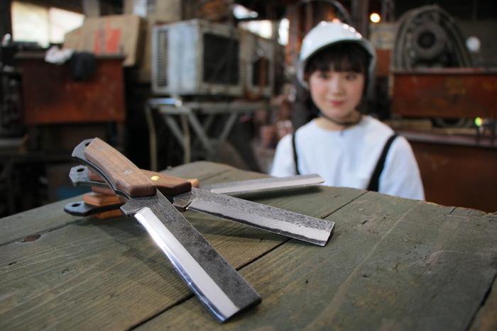 薪の切れ味を生み出すのは神職人!BABACHO・多喜火鉈の工場で人気の秘密を取材【斧のプレゼントあり!】