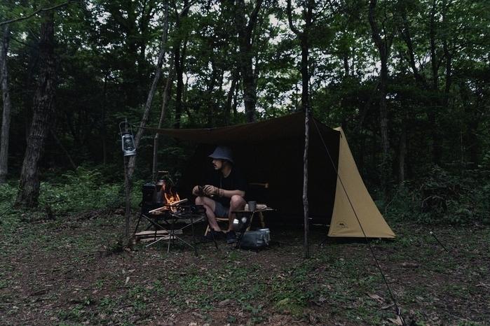 【ドベルグ×グリップスワニー】注目コラボのパップテントは、無骨なソロキャンプへの入り口!