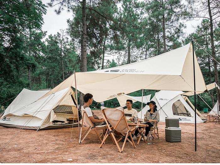 デザイン性にも優れたトレンド感溢れる大型テント