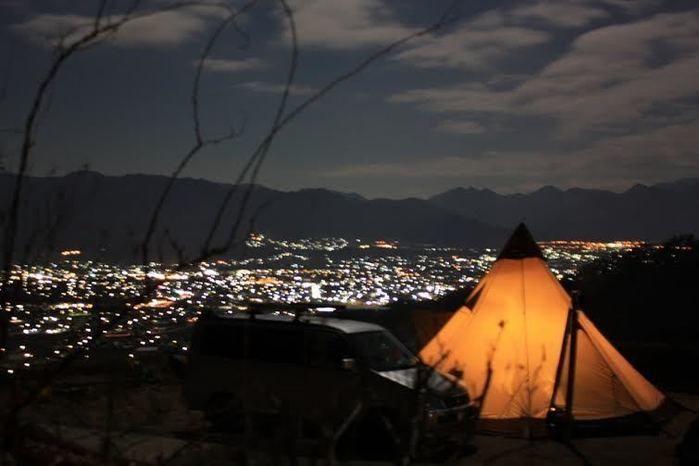 キャンプ場から見える夜景