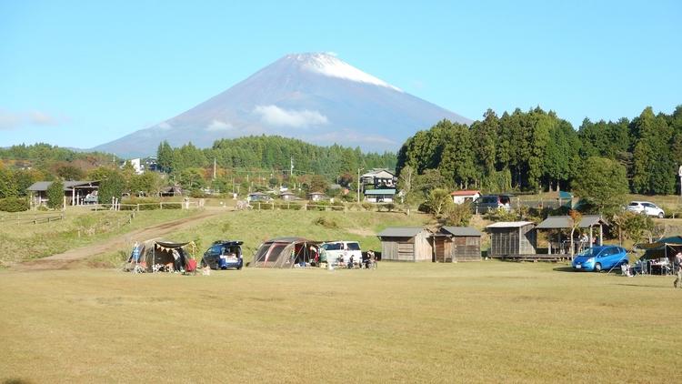 大野路ファミリーキャンプ場のサイトから見える富士山