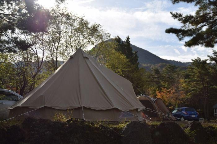 テントサイトに張られたコットンテント