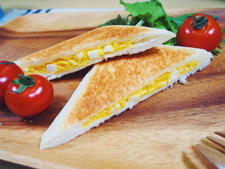 ランチパックで作った簡単ホットサンド、卵味