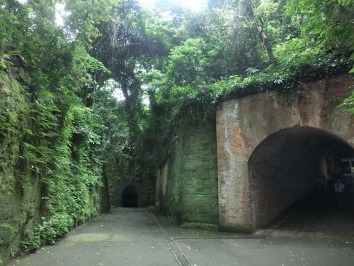 猿島のトンネルの写真