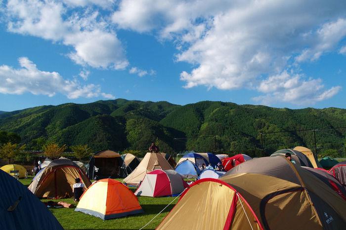キャンプサイトにはられたテント