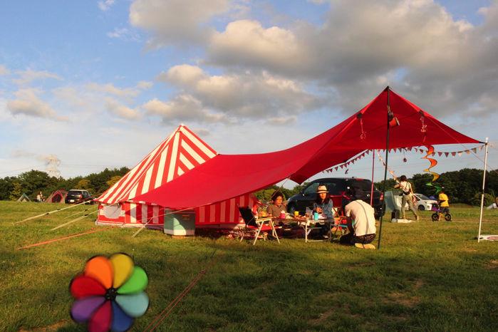 ザ グラムキャンピングのテント、econds strawberries and cream bell tent