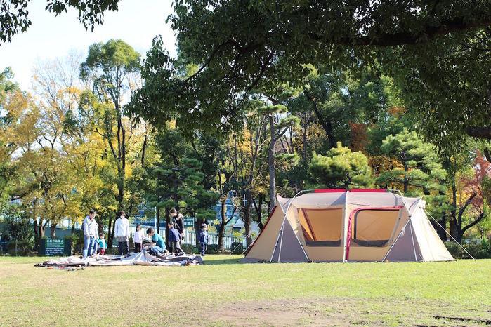 公園のテント