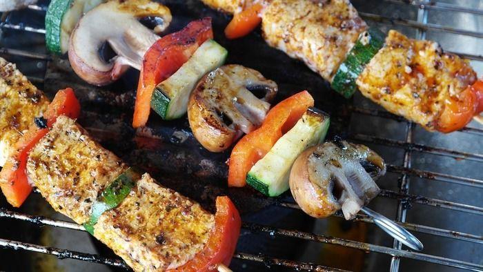 グリルで焼かれた野菜