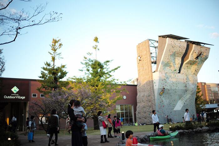 モリパーク アウトドアヴィレッジ 昭島で遊ぶ子供達