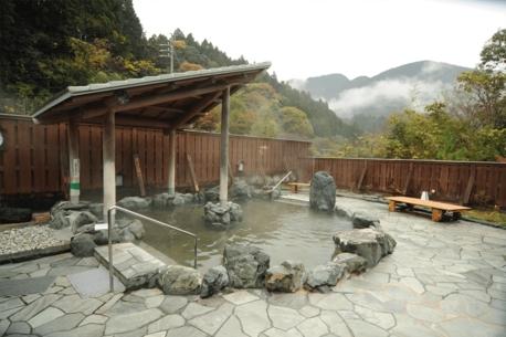 【全国版】キャンプ×温泉!場内・隣接に温泉がある癒されるキャンプ場23選