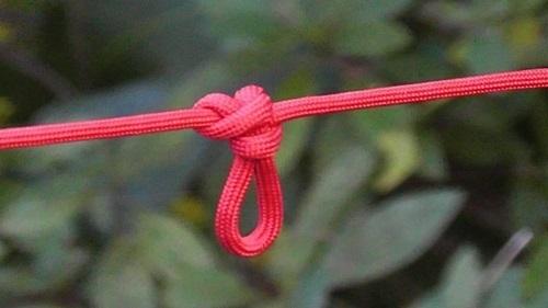 ロープの基本的な結び方です。
