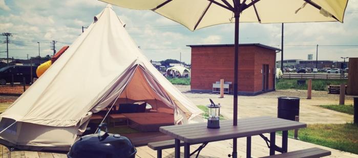 ワイルドビーチでのキャンプの様子