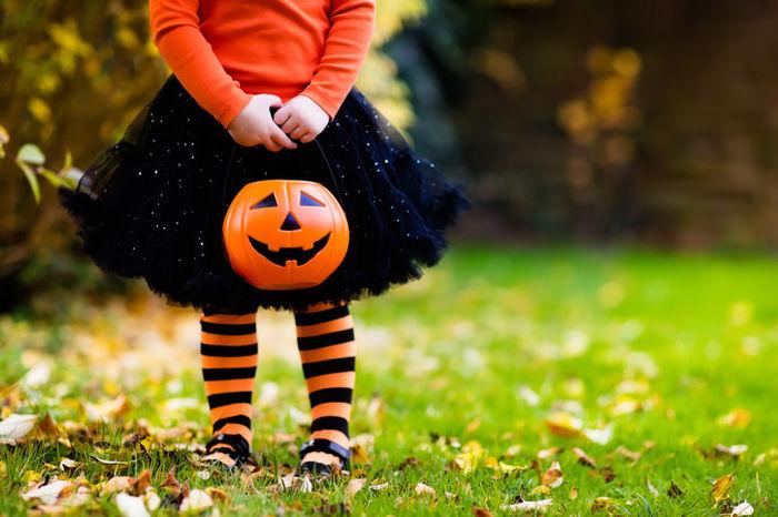 ハロウィンのコーディネートをした女の子