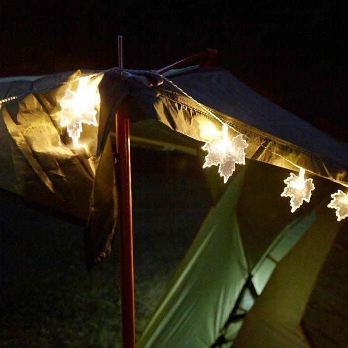 ガーランドが飾られたテント